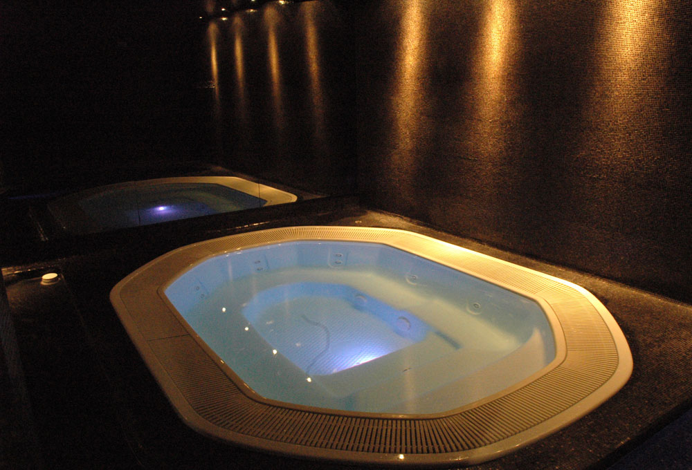Piscine Évolution sauna spa hôtel professionnel